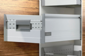 Blum. Pre-Built TANDEMBOX plus BLUMOTION Inner drawer, height D (224 mm), 30 kg, NL=500 mm. R9006 white/dust grey/aluminium.